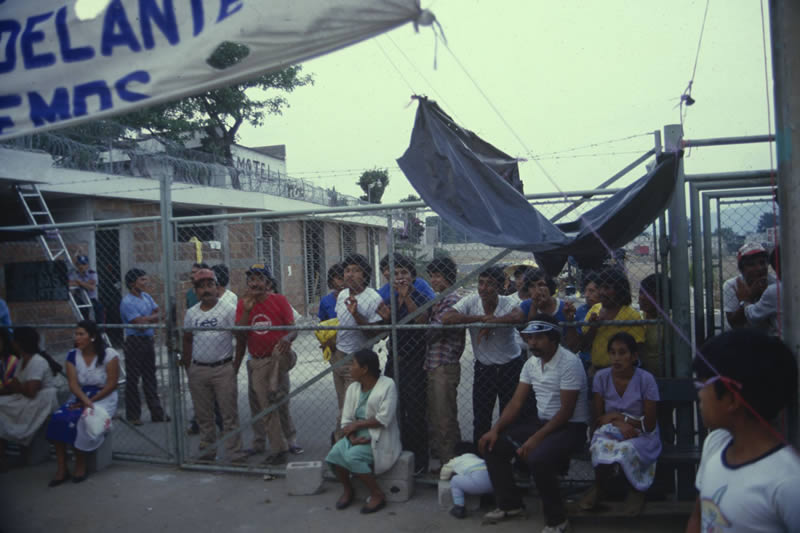 Group of Guatemalan workers at Lunafil strike